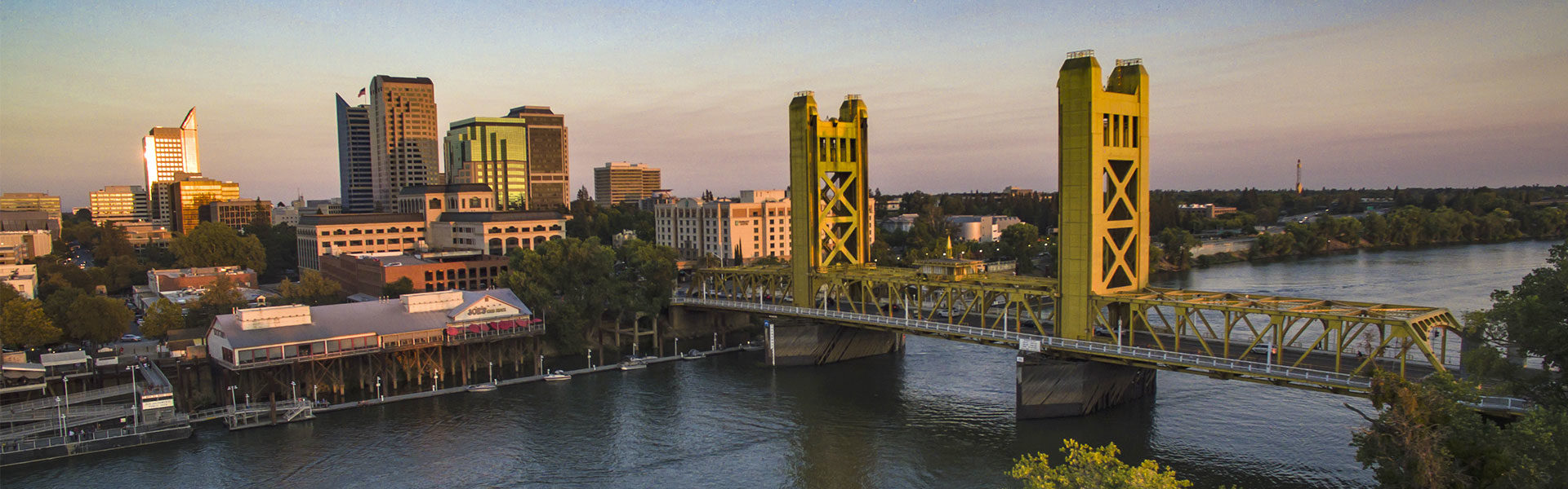 downtown sacramento and tower bridge